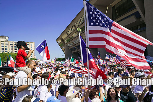 news photographer freelance Dallas TX stringer Immigration Protest. PHOTO: �2014 Paul Chaplo